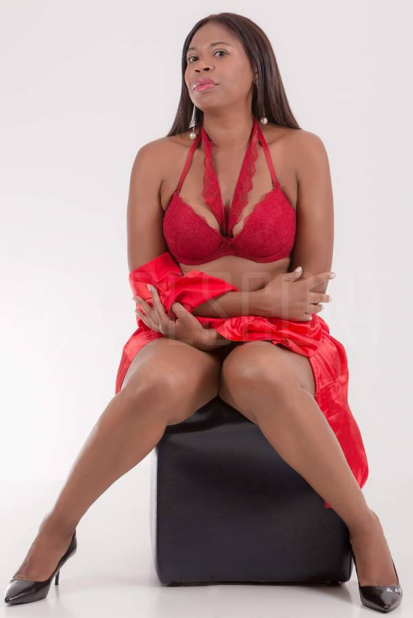 Escort Kiara HOT